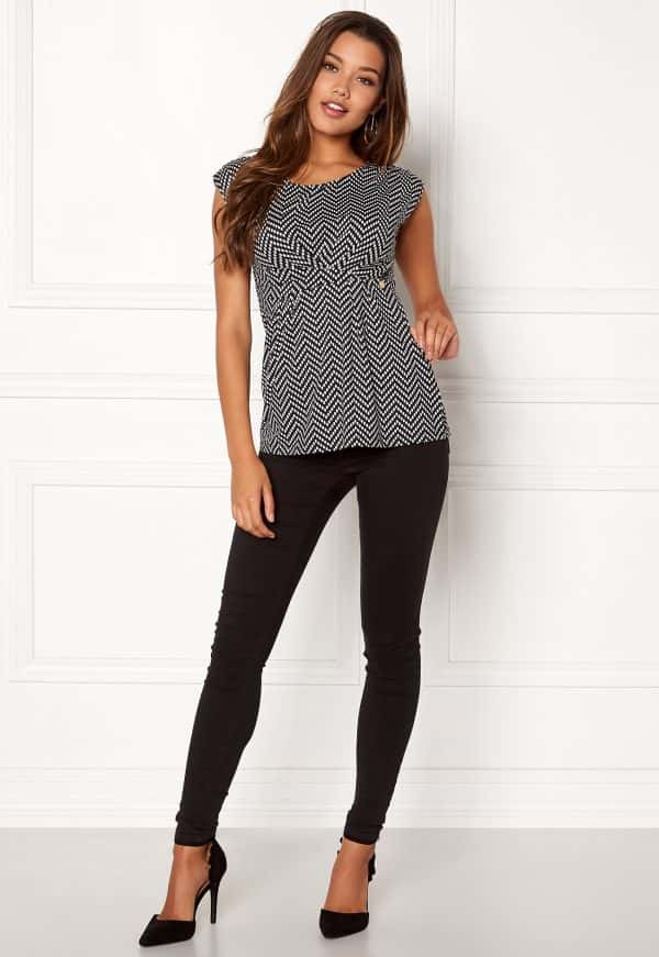 happy-holly-nora-top-black-patterned_1