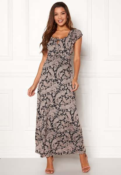 happy-holly-tessie-maxi-dress-black-patterned_3