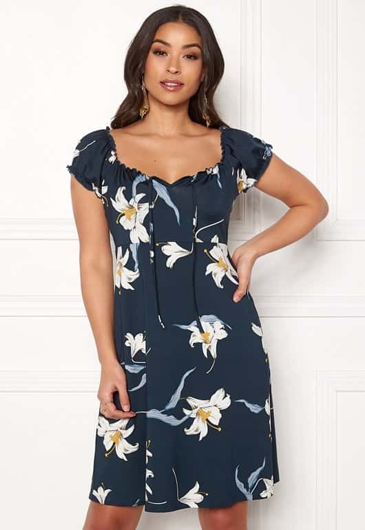 happy-holly-tessan-dress_1
