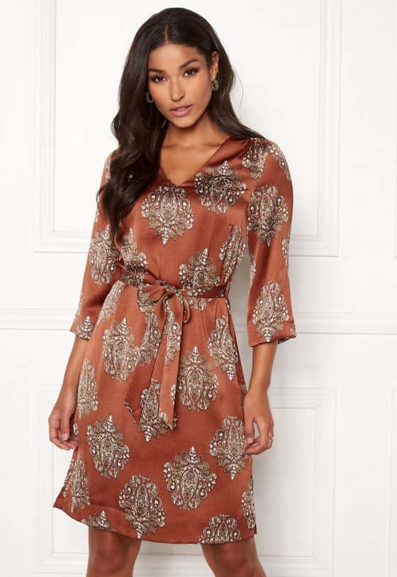 happy-holly-zoey-dress-patterned
