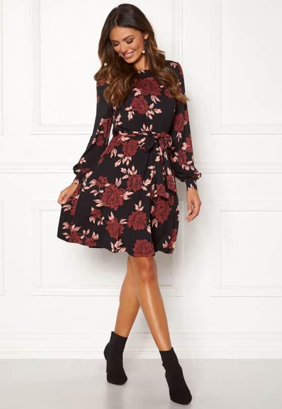 happy-holly-tova-dress-black-patterned_5