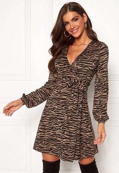 chiara-forthi-sonnet-puff-sleeve-wrap-dress