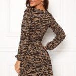 chiara-forthi-sonnet-puff-sleeve-wrap-dress_2