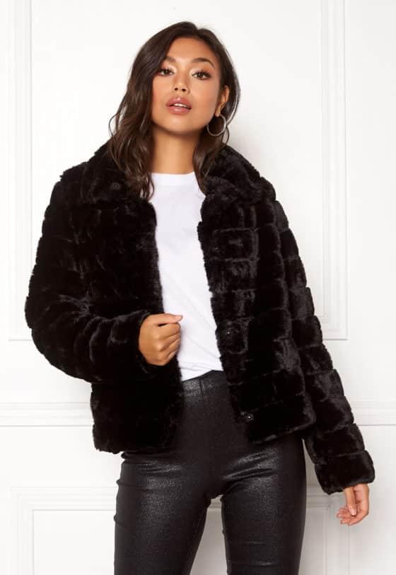 farry-faux-fur-jacket