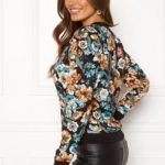 happy-holly-hanna-jacket-black-patterned_21