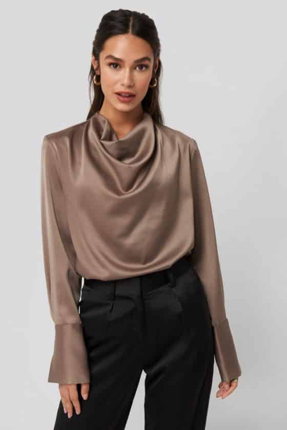 nakd_crowl_neck_satin_blouse_1018-003448-8970_01a