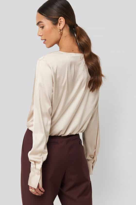 nakd_gathered_shoulder_satin_blouse_1018-003443-0140_02b