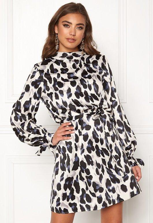 make-way-linsley-dress-white-black-leopardv