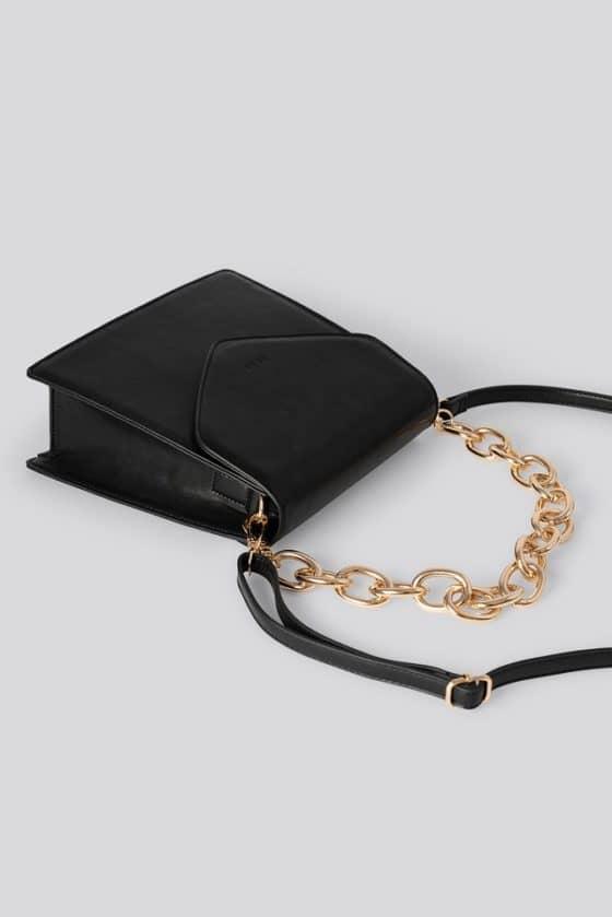 nakd_big_chain_trapeze_bag_1015-002149-0002_03m
