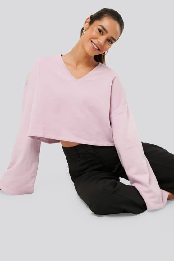 nakd_cropped_v-neck_oversized_sweater_1018-003618-0015_01a