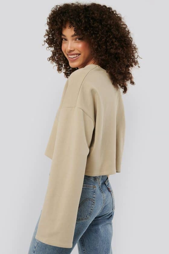 nakd_cropped_v_neck_oversized_sweater_1018-003618-0005_03b (1)