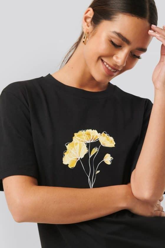 nakd_line_flower_printed_tee_1018-003776-0002_01g