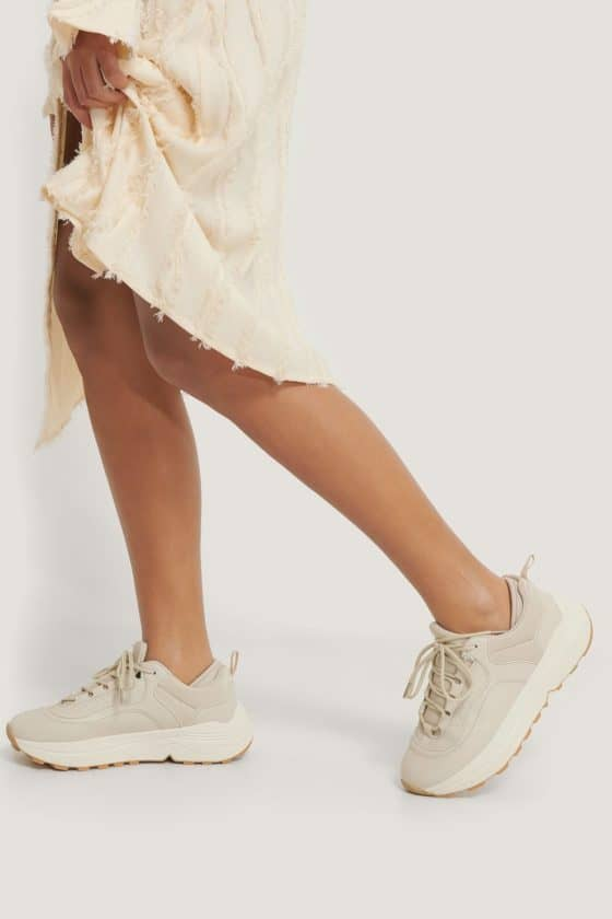 nakd_rounded_chunky_trainers_1055-000509-0027_01l_r