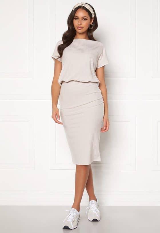 bubbleroom-indira-short-sleeve-dress-beige