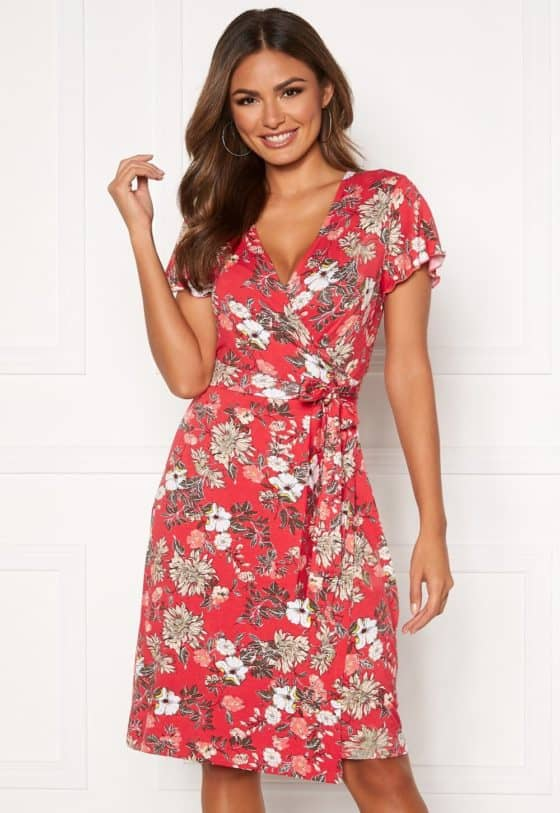 happy-holly-amanda-wrap-dress-red-patterned_3