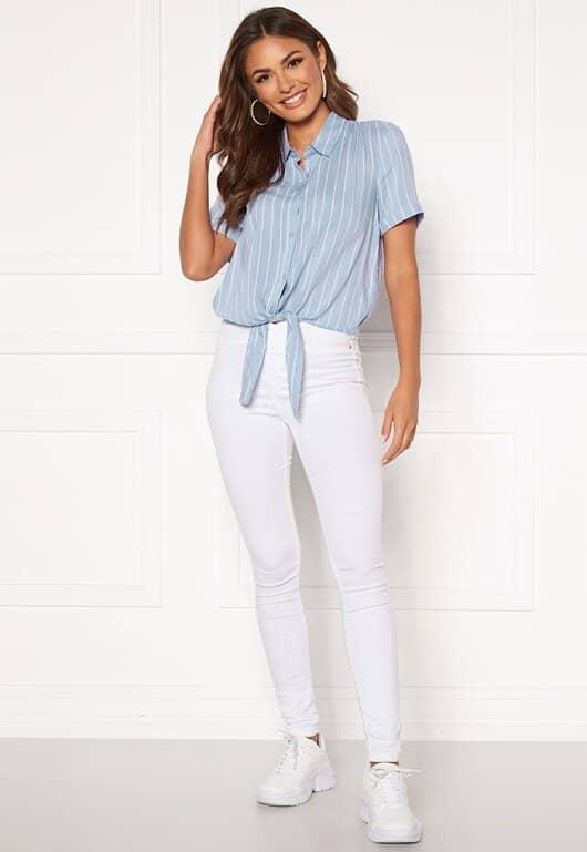 happy-holly-vilma-knot-shirt-light-blue-striped_1