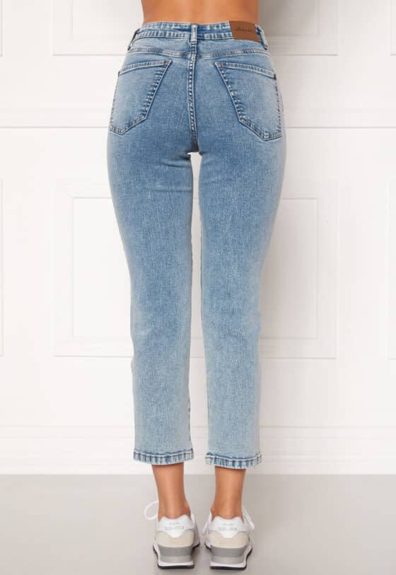happy-holly-peggy-straight-leg-jeans_1